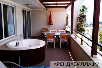 Балкон с ванной-джакузи